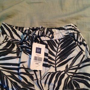 NWT girls size 4t gap flower pants